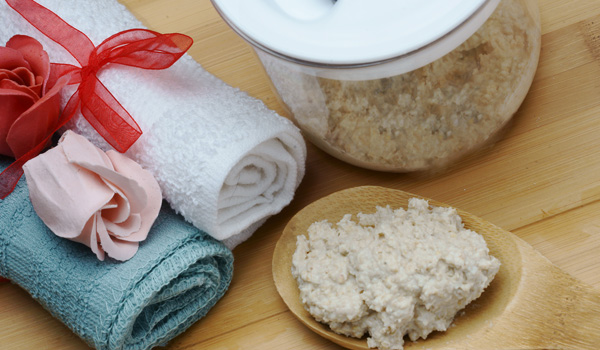 Baking Soda, Oatmeal and Vanilla - Home Remedies for Dry Skin