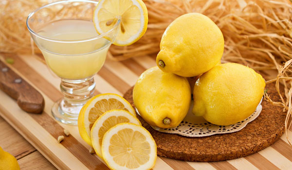 Lemon Juice - Home Remedies for Glowing Skin