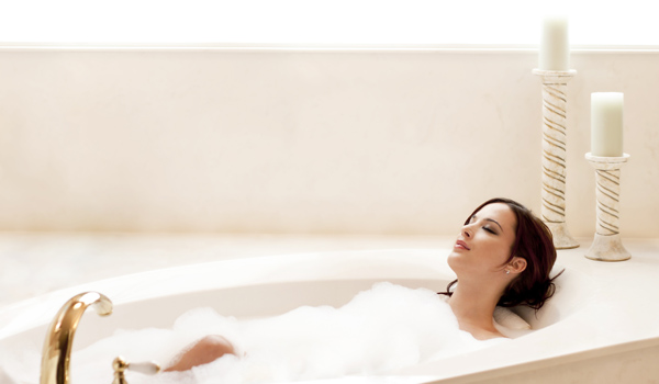 Take a Bath - Home Remedies for Dry Skin