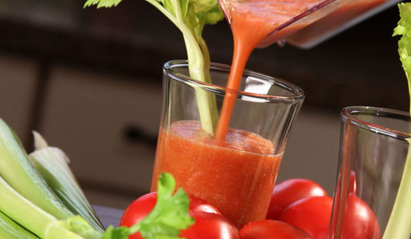 Tomato Juice - How to Get Rid of Freckles