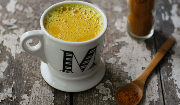 Turmeric and Milk - How to Get Rid of Dark Underarms