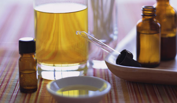 Tea Tree Oil - Home Remedies for Scabies