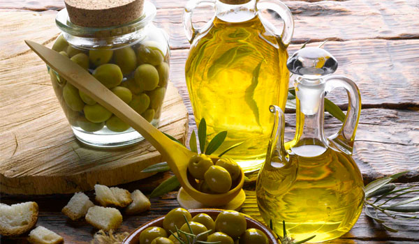 Olive Oil 1 - How to Get Rid of Split Ends