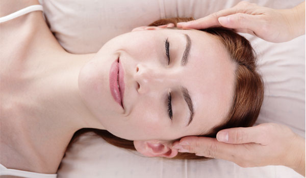 Head massage - Home Remedies for Headache