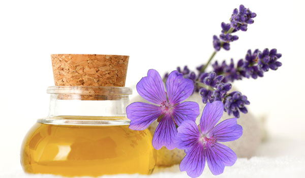 Lavender Oil - Home Remedies For Toenail Fungus