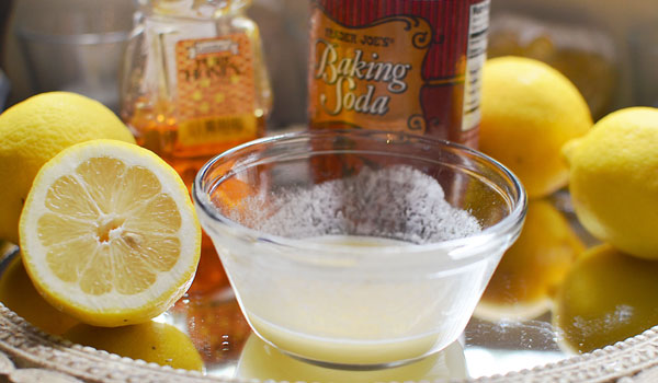 Lemon Hydro Soda - How to Get Rid of Yellow Nails