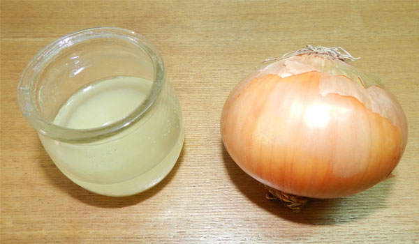 Onion Juice - Home Remedies for Alopecia