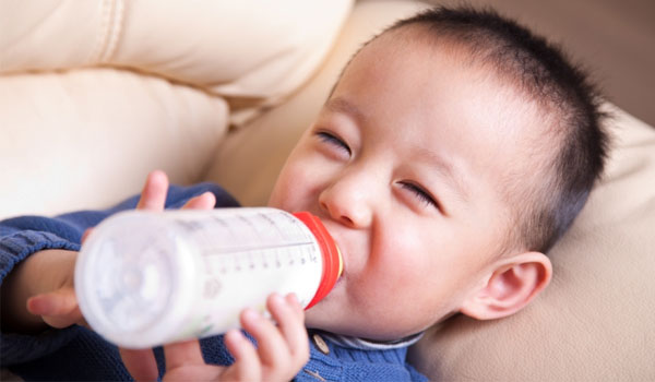 Baby Fluid Intake - Home Remedies for Constipation in Infants
