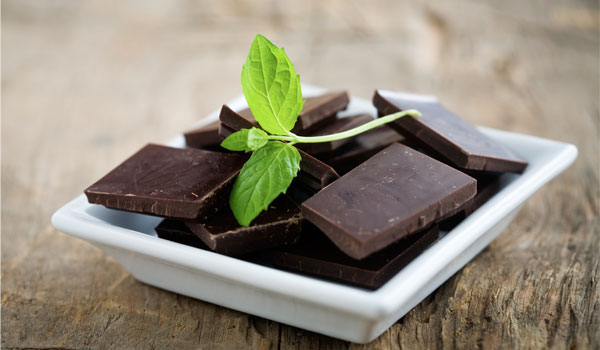 Dark chocolate - Top Superfoods to Fight Aging
