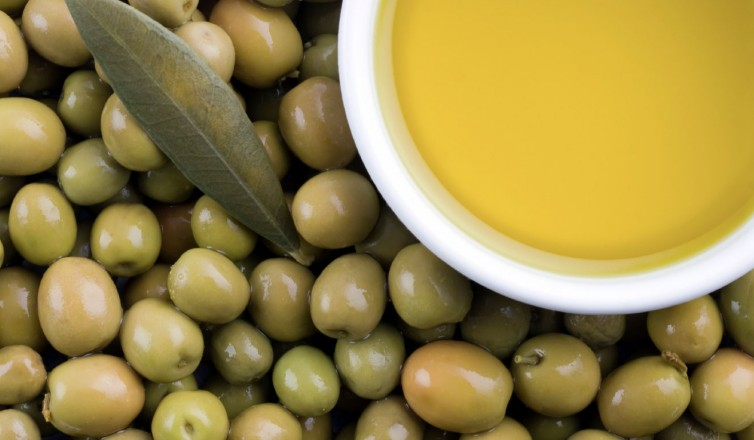 Olive Oil - Top Superfoods to Fight Aging