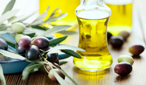 Olive Oil reduces cholesterol levels