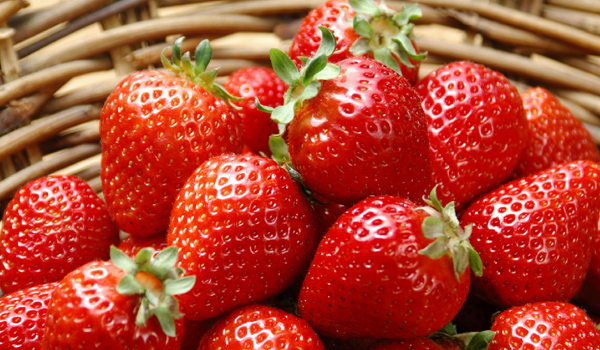 Strawberry - Home Remedies for Open Pores
