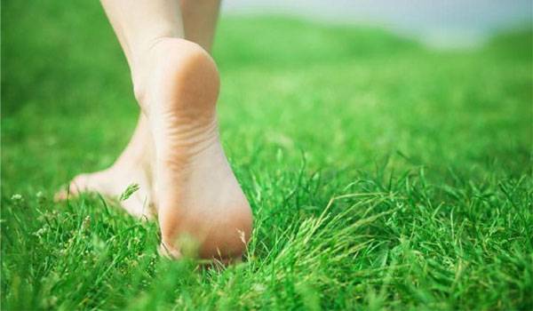 Walk on Grass - Home Remedies for Cold Feet