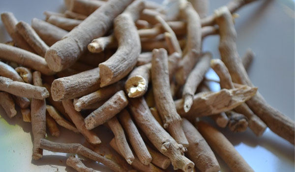 Ashwagandha - Home Remedies to Boost Immunity