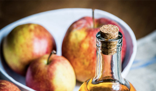 Apple Cider Vinegar - Home Remedies for Scalp Acne