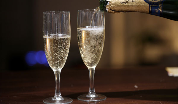 Champagne - How to Prevent Hangover