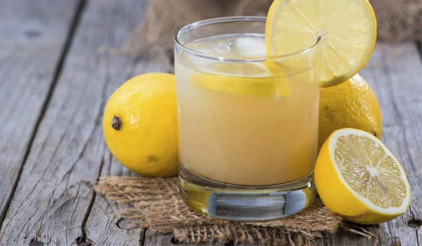 Lemon-Juice-How To Stop Sweaty Hands