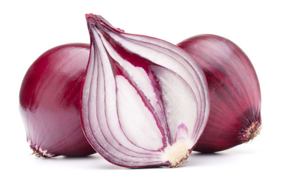 Red-Onion-How-to-Get-Rid-of-Sunspots