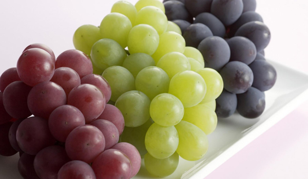 Grapes- Home Remedies for Peeling Skin