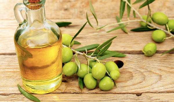 Olive Oil - Home Remedies for Peeling Skin